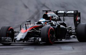 Auto McLaren Honda door de crashtests